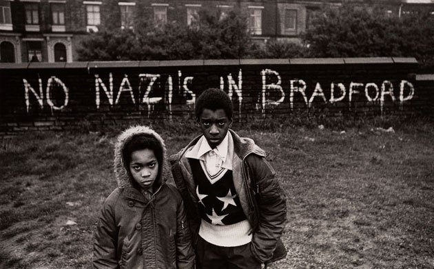 don-mccullin-kids-on-bradford-estate-1970s